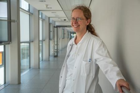 Dr Eva Kantelhardt