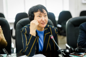 Dr Anara Eshkhodzhaeva
