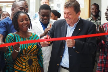 The German Ambassador and the Mayor of Harper open the new laboratory at JJ Dossen Hospital