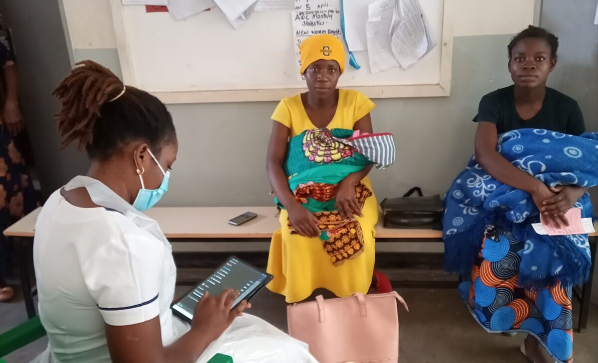 Nurse Mapanji doing a consultation using openSRP